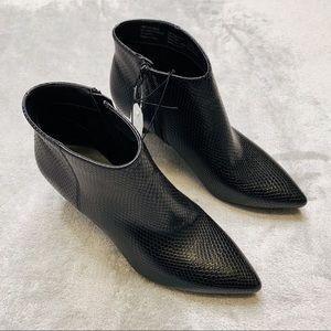 NWT Time & Tru Kitten Heel Black Boots Sz 7